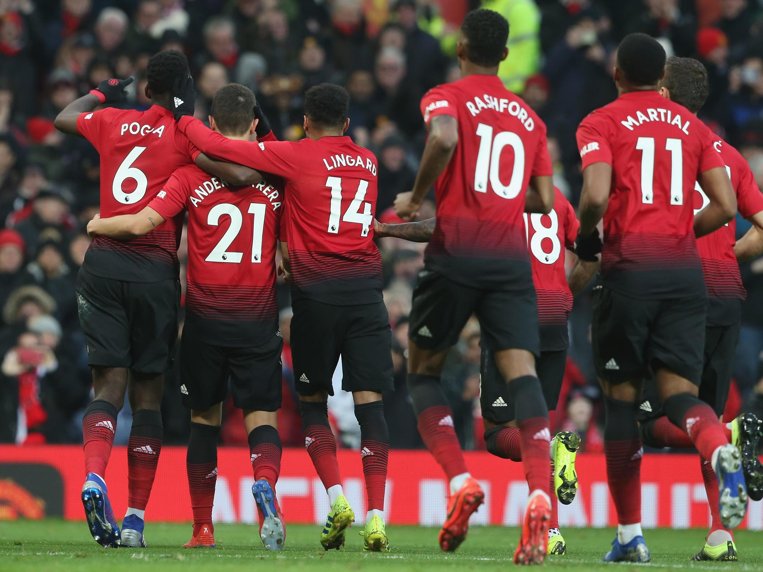 This image has an empty alt attribute; its file name is manchester-united-celebrate-vs-brighton.jpg
